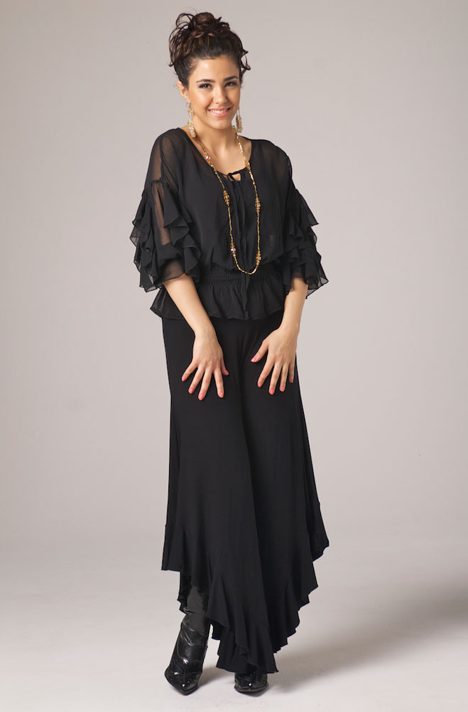 Dress In Style Ruffled Blouse Gaucho Pant Outfit Ann N