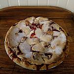 Sour Cream Strawberry Pie